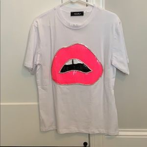 nwot jeweled lip t-shirt